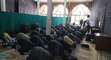 مسجدی که بعد از ۲۰ سال متروکه بودن، به همت امام محله جوانش «برقرار» شد